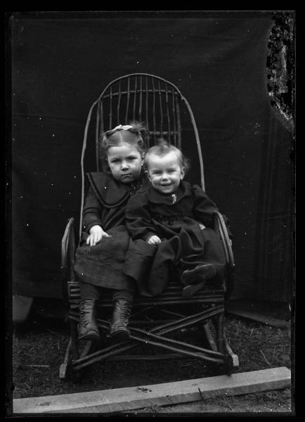 Two young children photograph