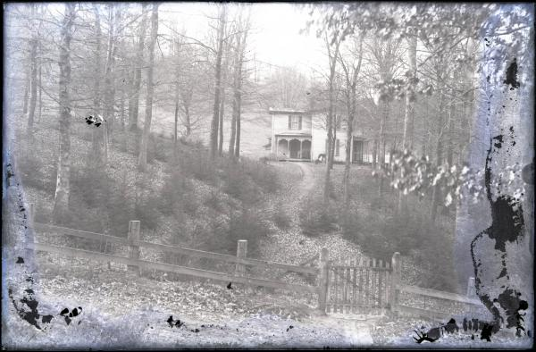 Unidentified house photograph