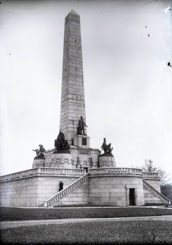 Lincoln Tomb photograph