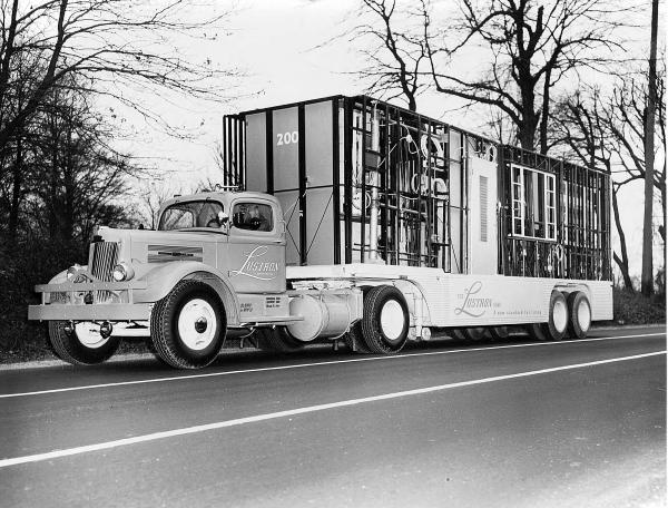 Lustron delivery truck