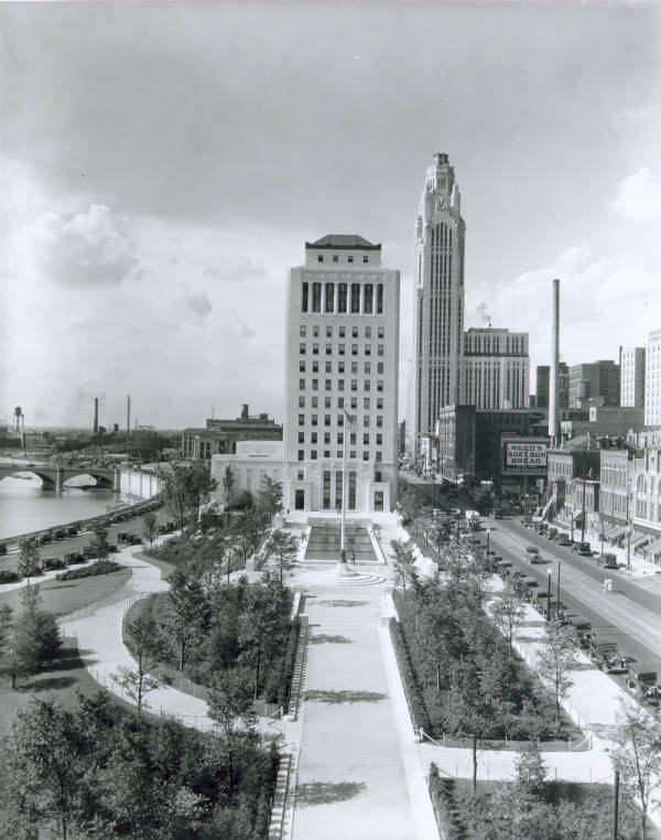 Ohio State Office Building and LeVeque Tower photograph