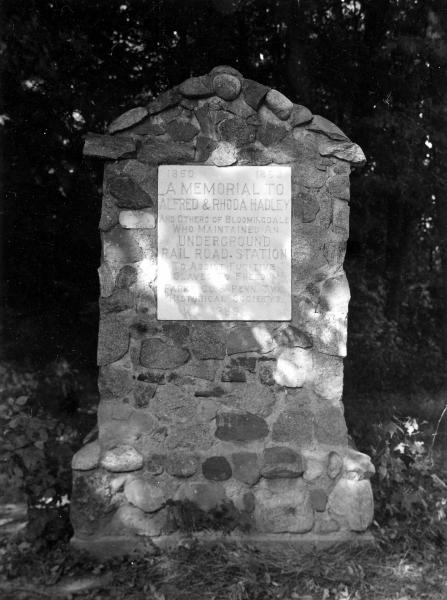 Memorial to Alfred and Rhoda Hadley photograph