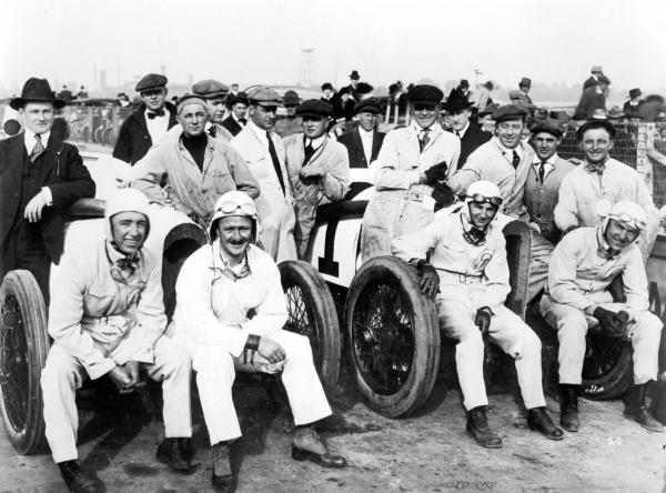 Drivers and mechanics before a race photograph