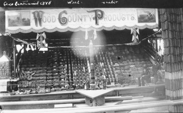 Wood County products at Ohio Centennial Exposition photograph