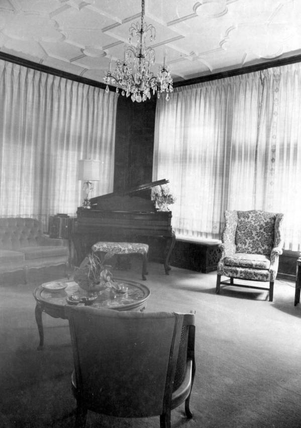 Governor's Mansion music room