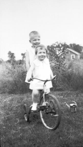 Neil Armstrong with sister