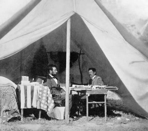 Abraham Lincoln and George McClellan photograph