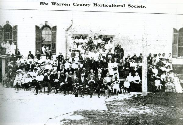 Warren County Horticultural Society members photograph
