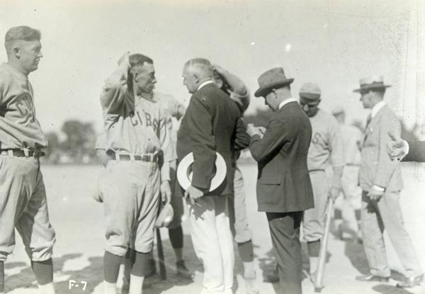 Warren G. Harding and Chicago Cubs players photograph
