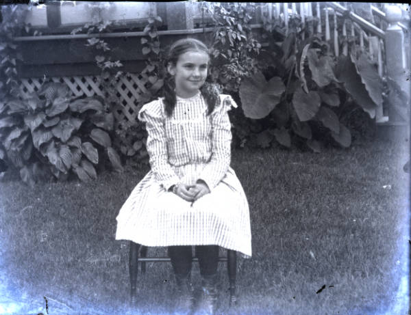 Young girl photograph