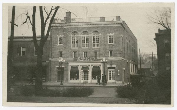 Hennick's Confectioners photograph