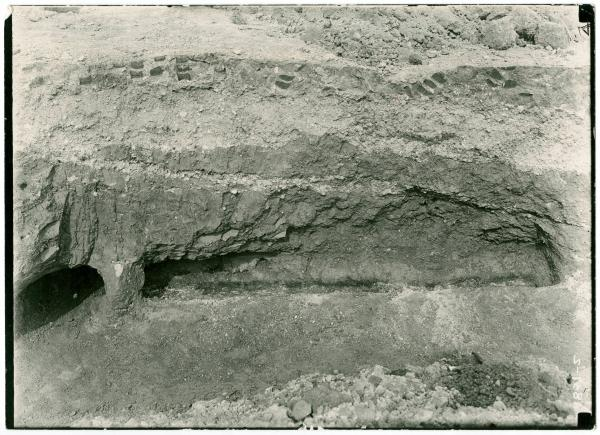 Log molds at Hopewell Mound
