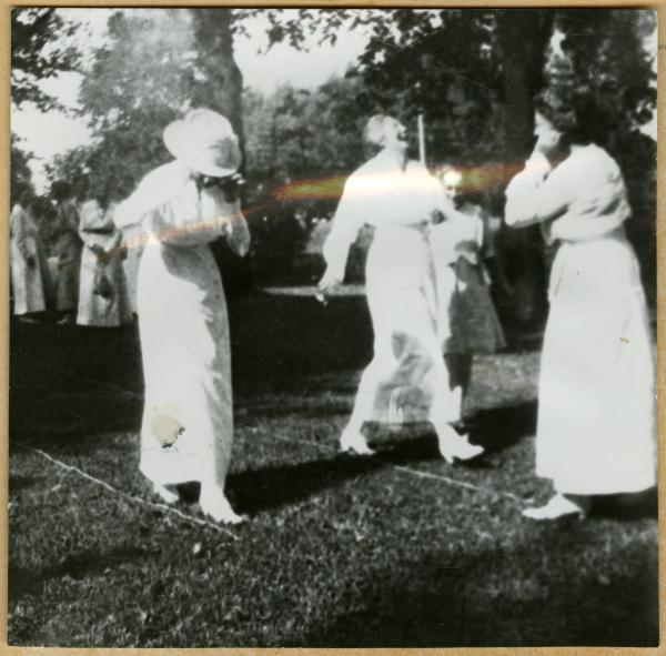 Clinton League 'June Frolic' photograph
