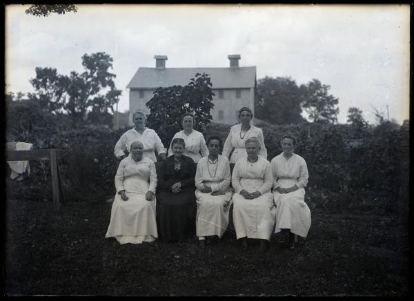 Women at Lowry family reunion photograph