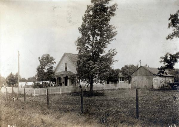 Gordon farmhouse photograph