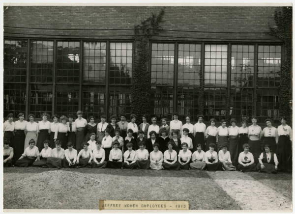 Female employees at Jeffrey Manufacturing Company