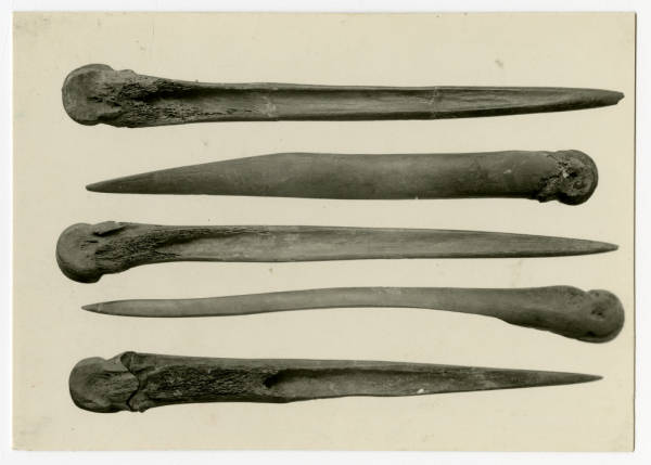 Bone awls from Hopewell Mound Group
