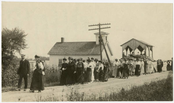 Suffrage procession in South Newbury