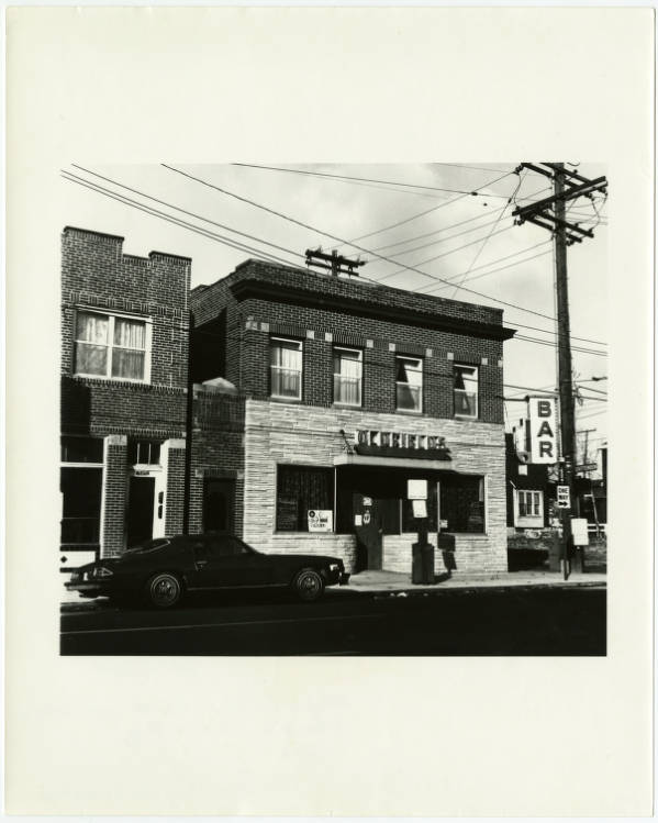 Oldfield's bar on Fourth Street