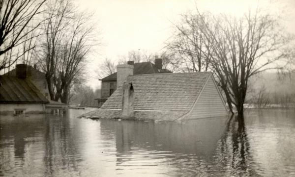 Point Pleasant During 1937 Flood photographs