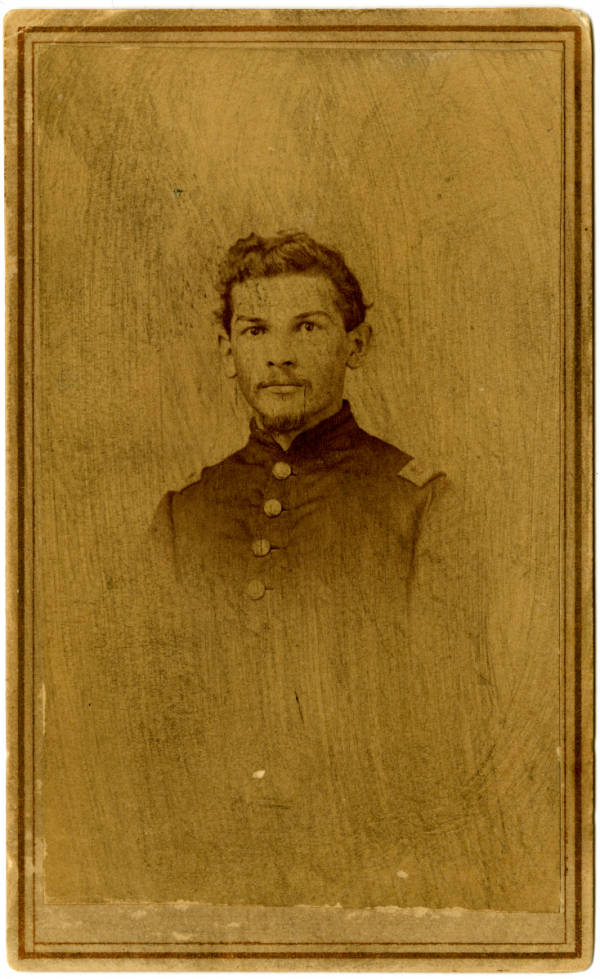 Unidentified Civil War officer photograph