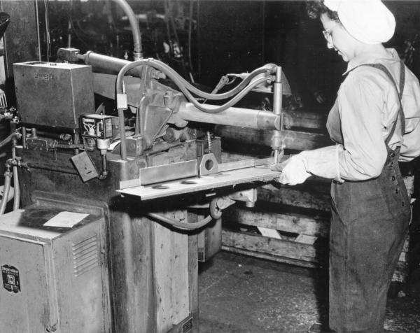 War worker at Youngstown Steel Door Company photograph