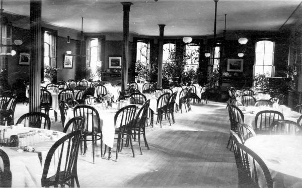 Dining room at Lake Erie College