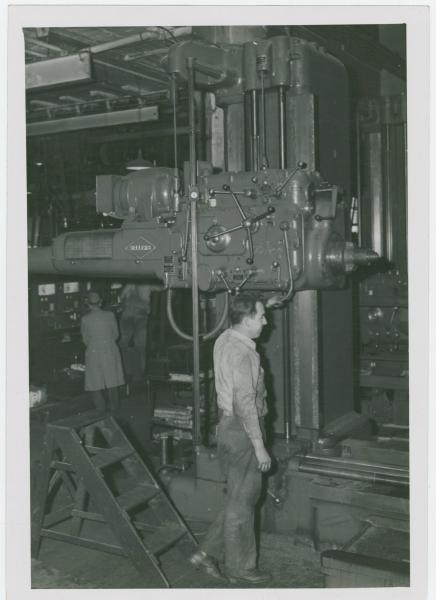 Horizontal boring mill in the American Tool Works factory