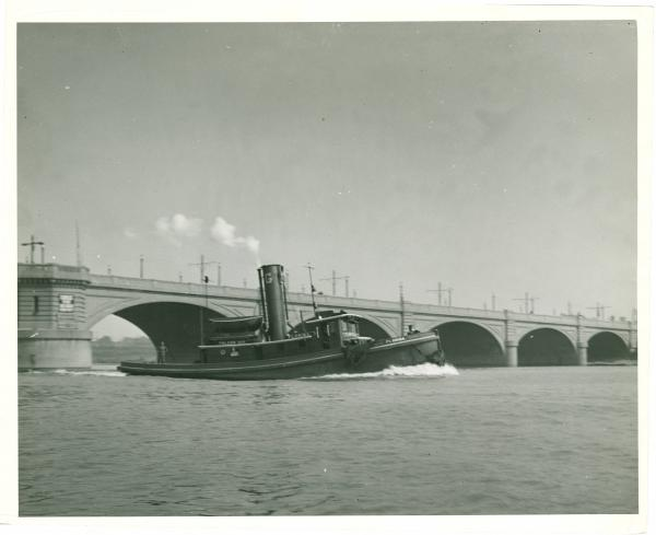 Tugboat on the Maumee River