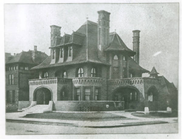 Peter Sells Mansion photograph