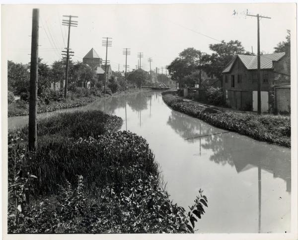 Miami and Erie canal in Montgomery County