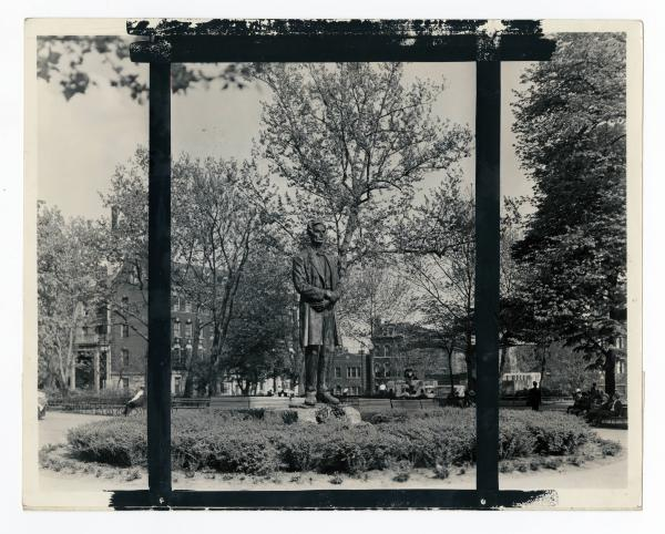 Lytle Park - Lincoln Statue