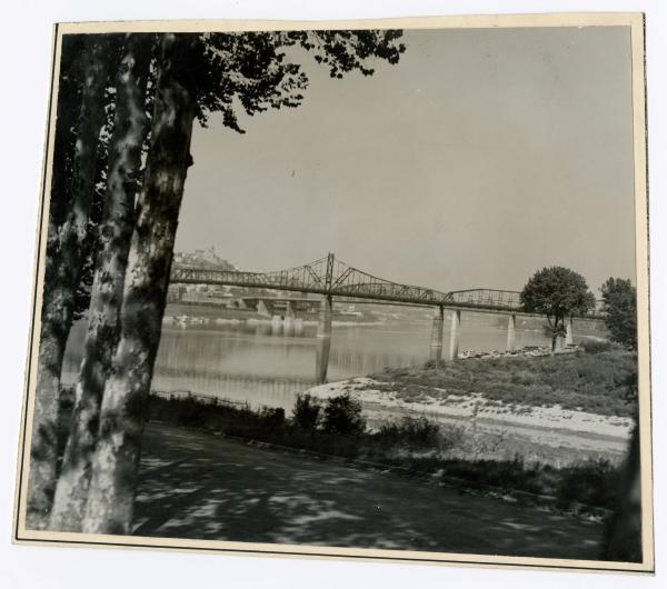 Central Bridge and L&N Bridge over Ohio River