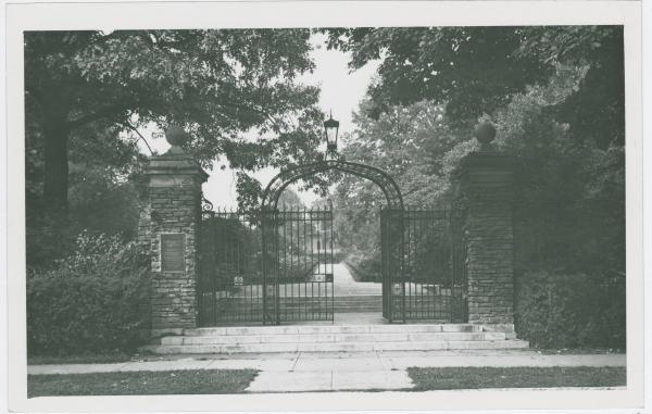 Entrance to Fleischmann Gardens in Cincinnati