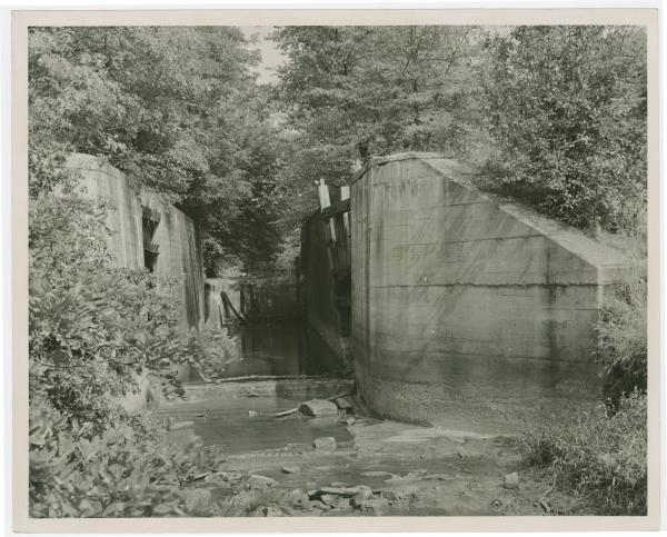 !!!Canal lock on the Ohio-Erie Canal in Tuscarawas County, Ohio
